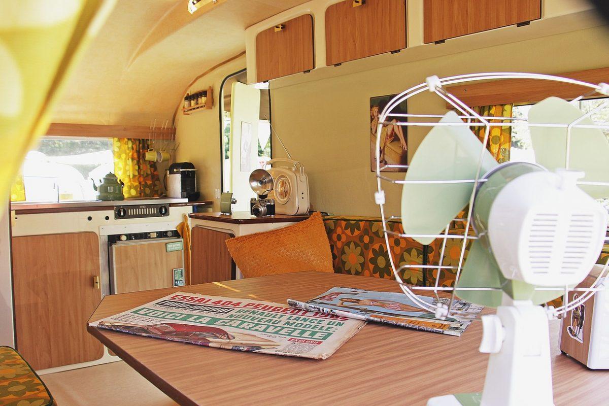 camping-4610052_1280